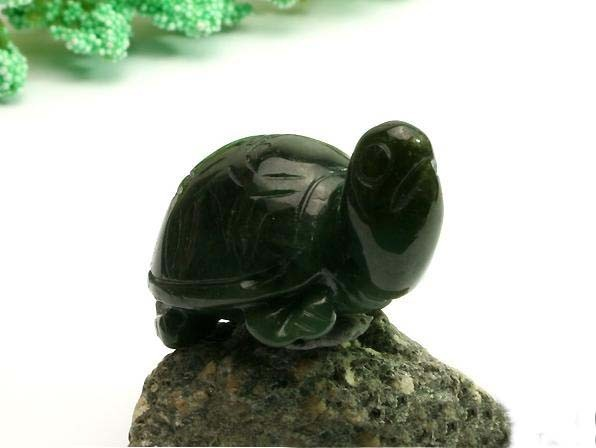 Free Shipping - good luck Hand-carved Natural Dark Green Cute Turtle Jade Pendan