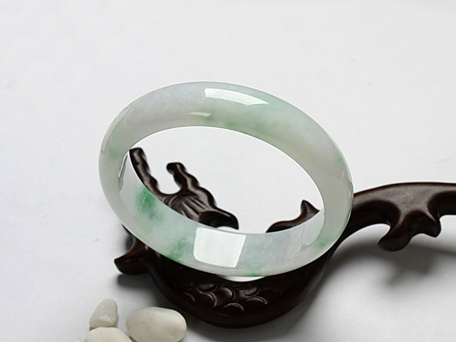 Jade light green Jadeite jade  / Round Shape charm