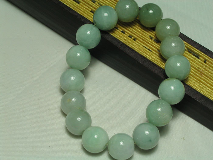 green Jadeite Jade meditation yoga Prayer Beads charm brecelet