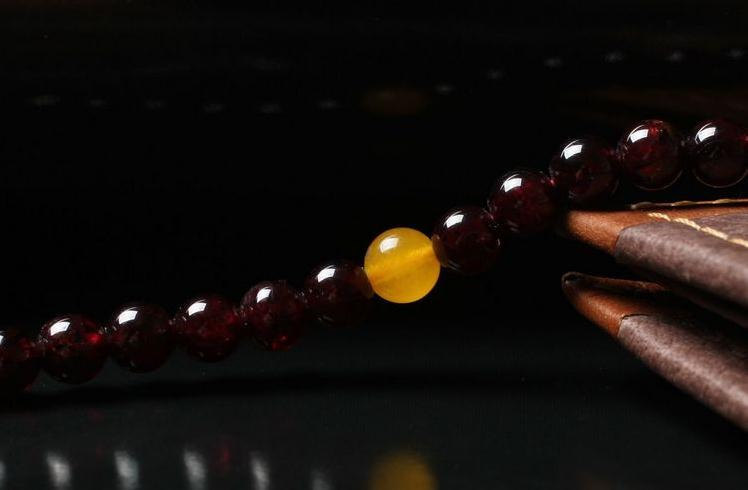 Free Shipping -  natural Garnet Mala with yellow jade Beads meditation yoga 108