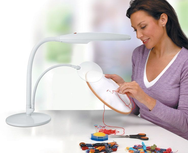Daylight Table Top Lamp Magnifier white U23020-01 DISCOUNTED Daylight Company