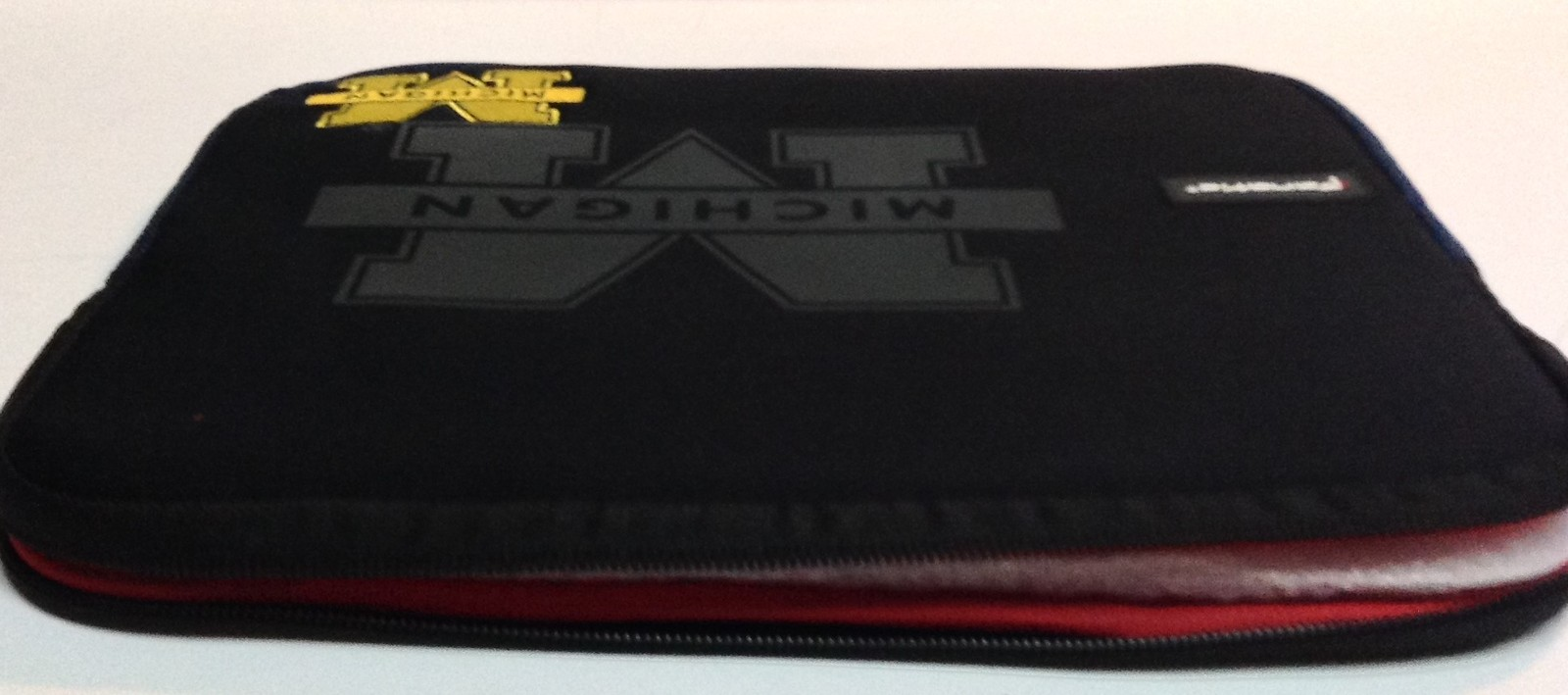 Michigan University Tablet Ipad Laptop Protection Case by Fanatic NWT