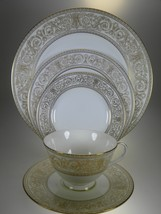 Royal Doulton Sovereign 5 PC Place Setting - $52.97
