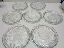 Set of 7  Vintage Clear Glass Swirl Salad Or Luncheon Plates - $249,36 MXN