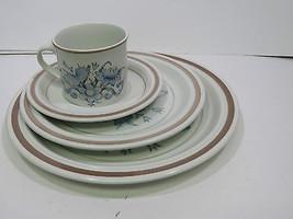 4 Pc Place Setting Royal Doulton Lambeth Stoneware Inspiration Pattern - $23.53