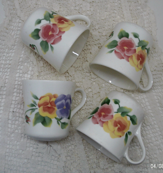 Vintage set of four SUMMER BLUSH Design Corning Ware Mugs // Coffee Cups