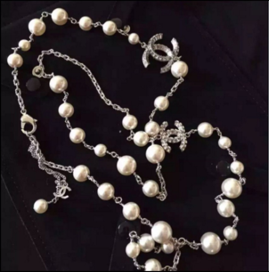 100 authentic chanel baguette crystal gem cc logo pearl. Black Bedroom Furniture Sets. Home Design Ideas