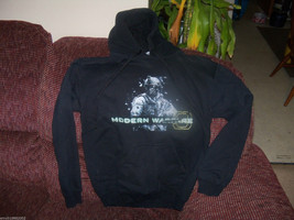 Black Modern Warfare 3 Sweatshirt Size Small Men's EUC - $21.60