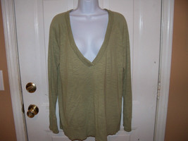 Eddie Bauer V-Neck Sage Green Sweater Size XXL Women's EUC - $20.00