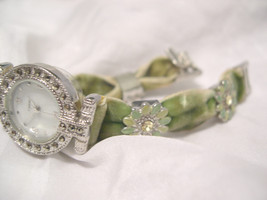 "L70, Ladies MoP Watch, Crystal Studded Flowers, Lavish 7"" Velvet Band w/b - $19.79"