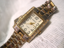 "L55, Watch-It,  Ladies Gold Tone Watch, Crystals, 7"" Linked Band, ezr3246, w/b - $15.83"