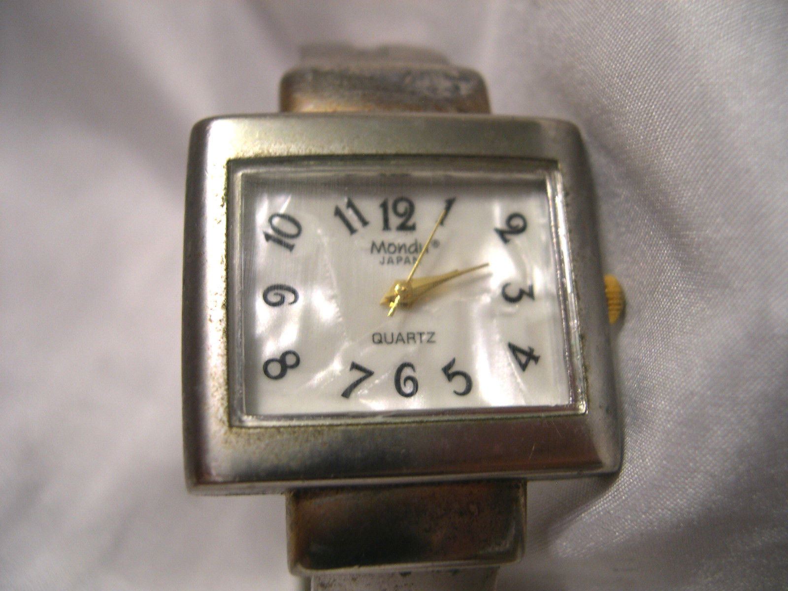 Primary image for L28, Mondu, Ladies Silver Tone Cuff Watch, mop Face, Casual  w/b