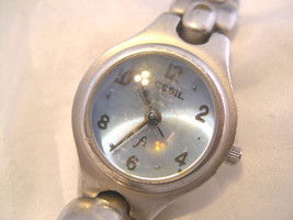 "L65, Fossil F2, Ladies 3/4"" dia. Blue Faced Watch, 6"" Silver Tone Bracelet,  ES9 - $15.83"