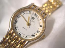 """L62, Givenchy Paris, Gold,Tone 6.5"""" Link Band, White Face, D.A.L.90 - $39.59"""
