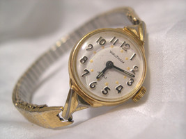 L62, Waltham Ladies Gold Tone Watch, Vintage, 17 Jewels, Classic Flex Band - $15.83