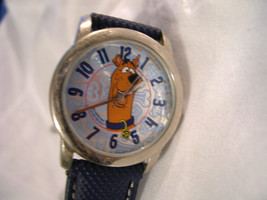 "C02, Scooby Doo, Silver Face with Bones, Silver Tone w/8.5"" Blue Band, w/b - $19.79"