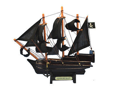 "Primary image for Captain Kidd's Black Falcon Limited Edition Model Pirate Ship 7"" Black Sails New"