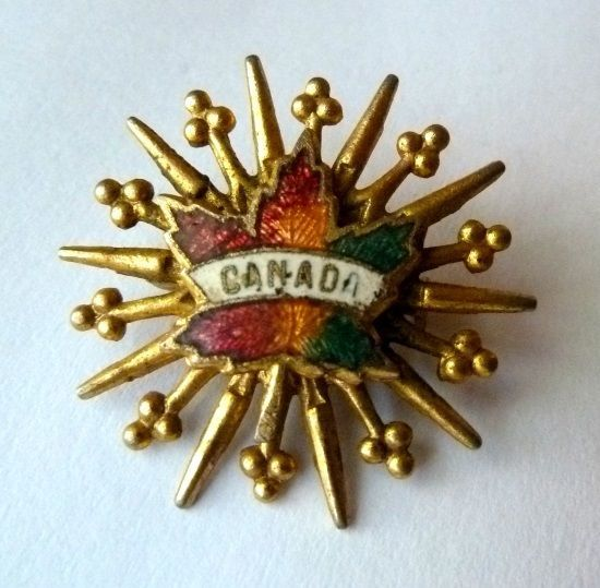 Canada Canadian Maple Leaf Starburst Gold Tone Unmarked Brooch Pin Vintage image 9