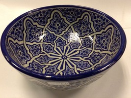 Moroccan Hand Painted Large Glazed Bowl Cobalt Blue Arabesque Design - $2.353,05 MXN