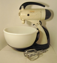 Sunbeam mixmaster model 9  bowl and beaters 01a thumb200