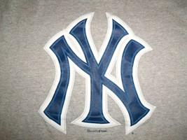 MLB New York Yankees Baseball Team Logo Grey 90/10 Graphic Print T Shirt XL - $17.17