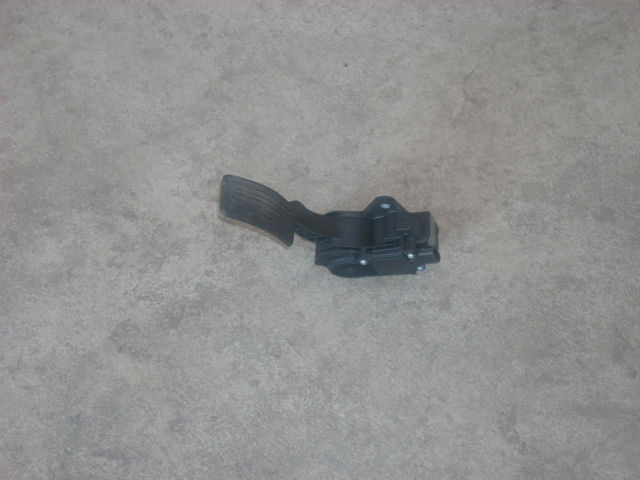 1805 gas pedal