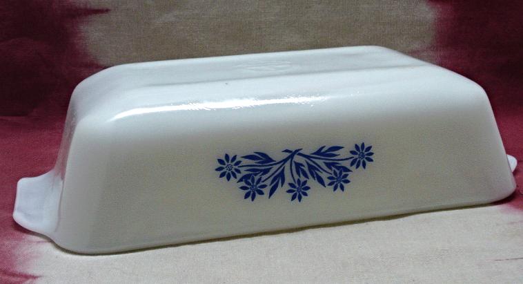 Vintage ANCHOR HOCKING FIRE KING Cornflower Design 1 Quart Loaf Pan