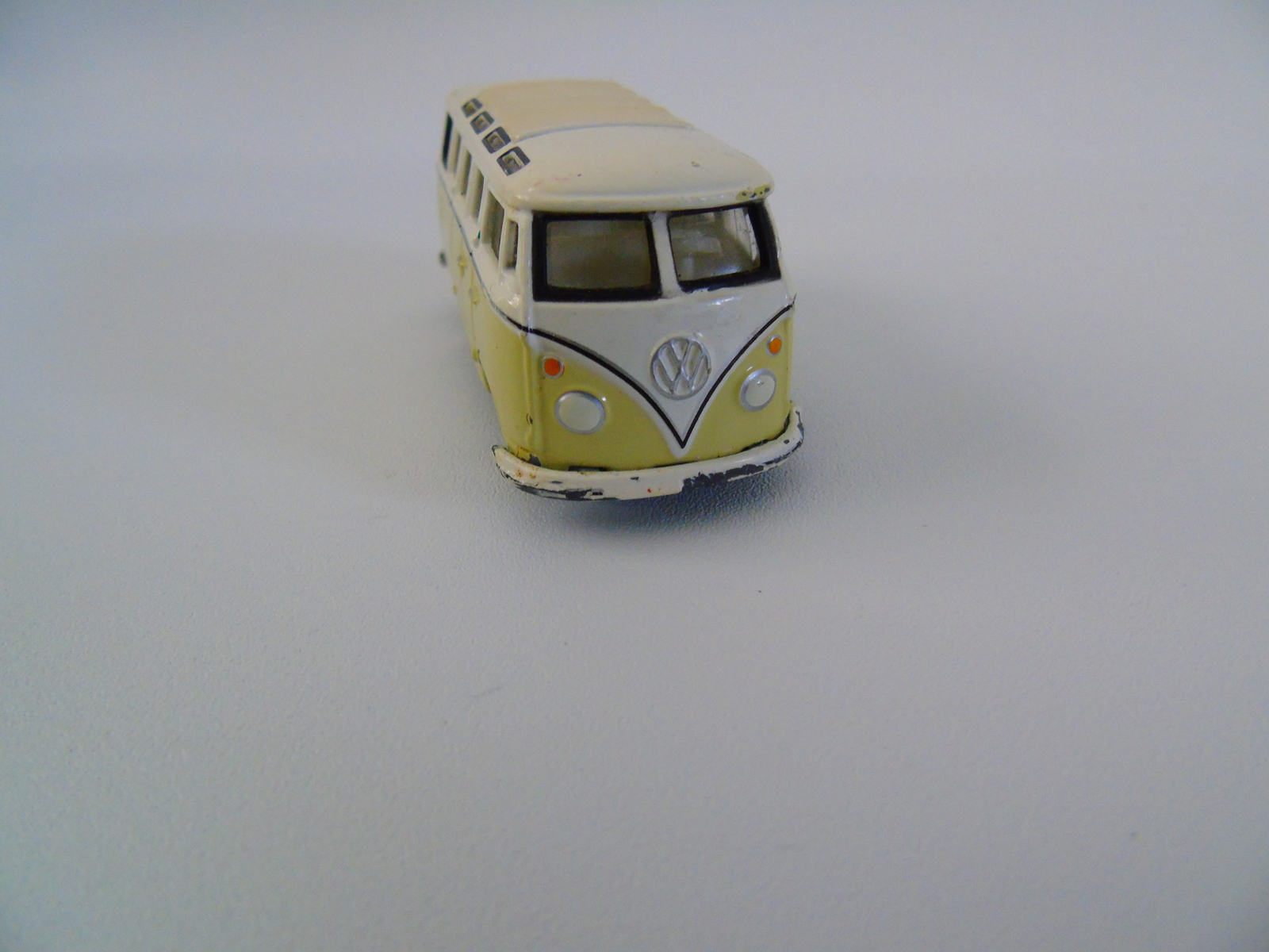 1965 Volkswagen Samba Bus 2002 Johnny Lightning