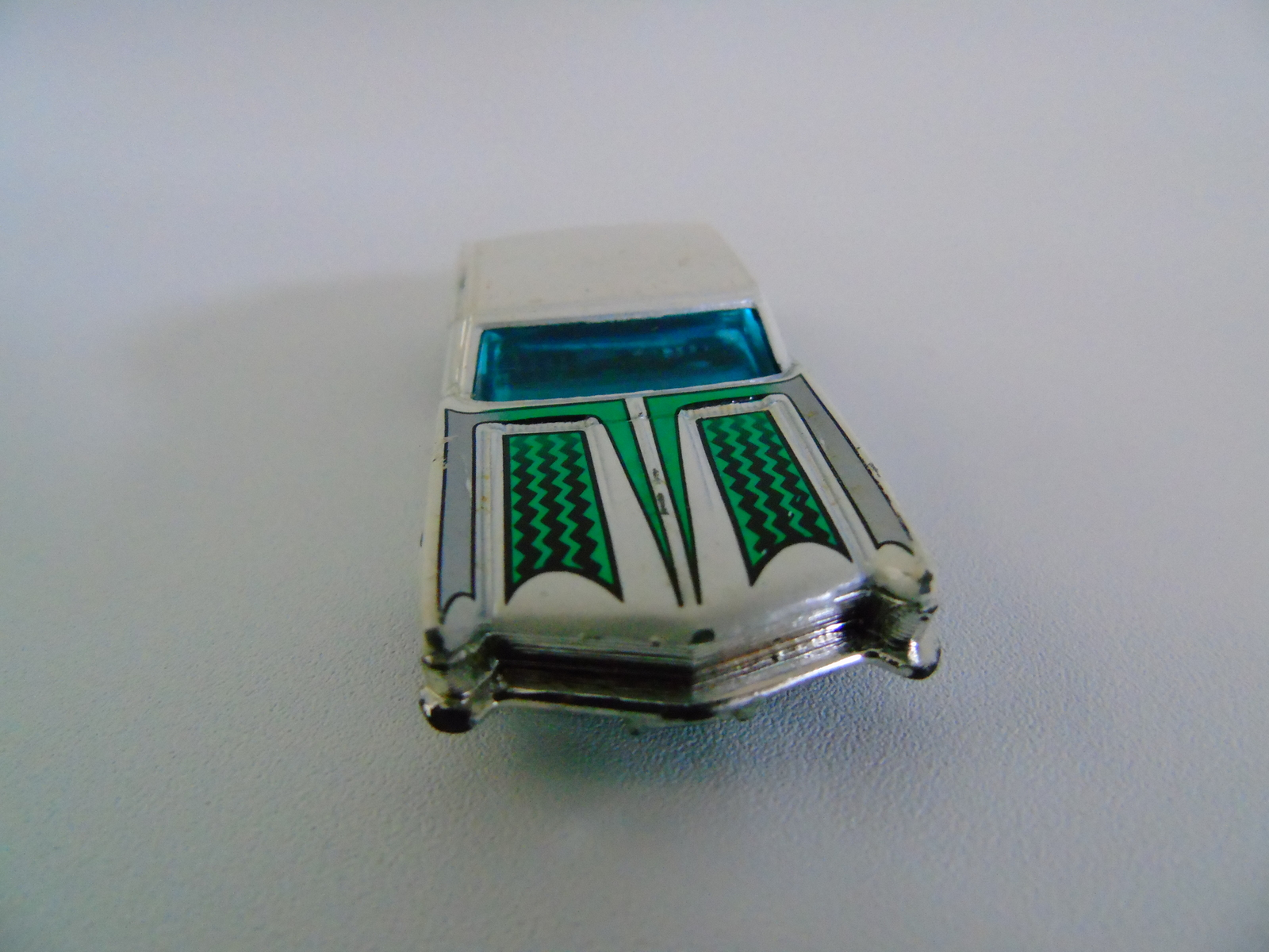 2001 Mattel Hot Wheels 1964  Riviera Toy Car