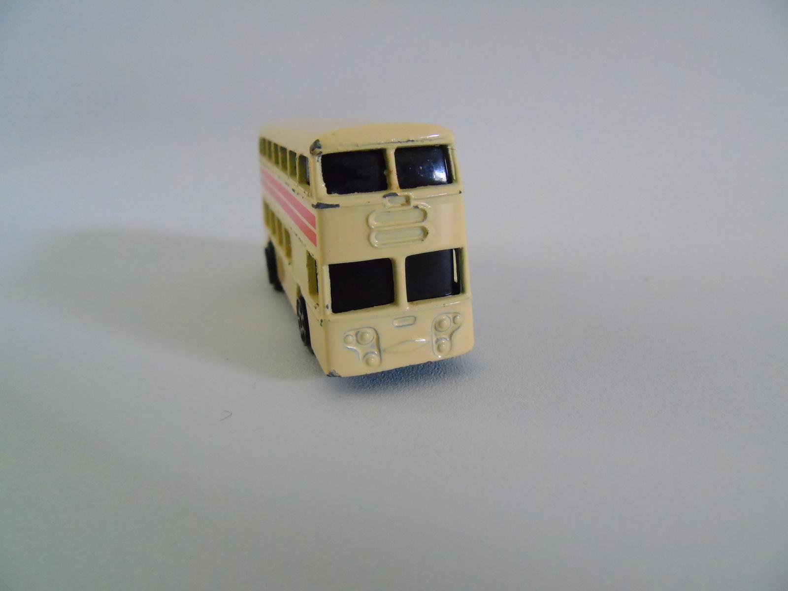 MAISTO Double  Decker Bus Diecast