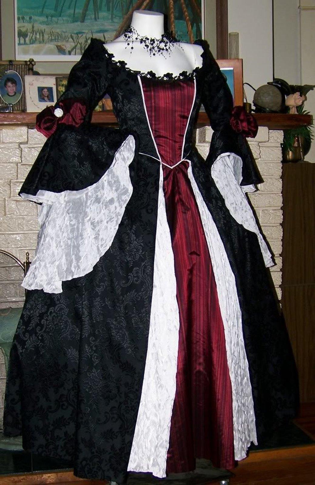 Gothic Renaissance Pirate Dress Cosplay Costume