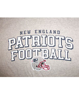 Reebok NFL New England Patriots Football Gray Graphic Print T Shirt - L - $15.45