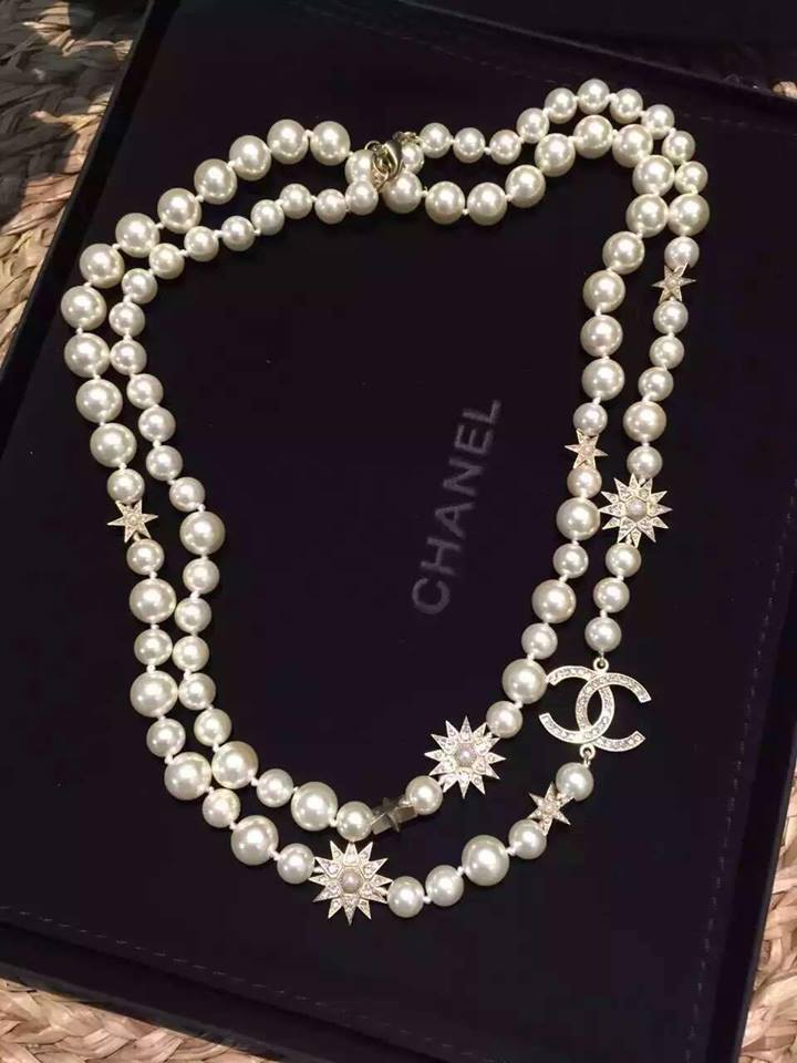 Authentic Chanel 2015 CC Crystal Logo Star Long Pearl Necklace Gold New