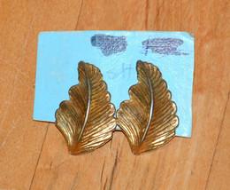 vintage pierced earrings gold leaf shaped leaves - $1.97