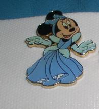 Minnie Mouse Princess cinderella  Authentic Disney pin No Card  Card - $24.18