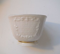 LENOX IVORY FINE PORCELAIN Jewerly TRINKET CUP - $4.21