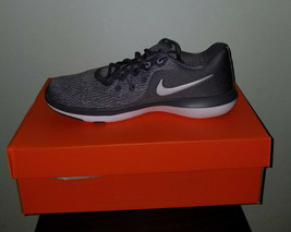NIKE Women's Flex Supreme TR 6 Training Shoe, Grey Color, Sz.8.5(US)Wide... - $49.99