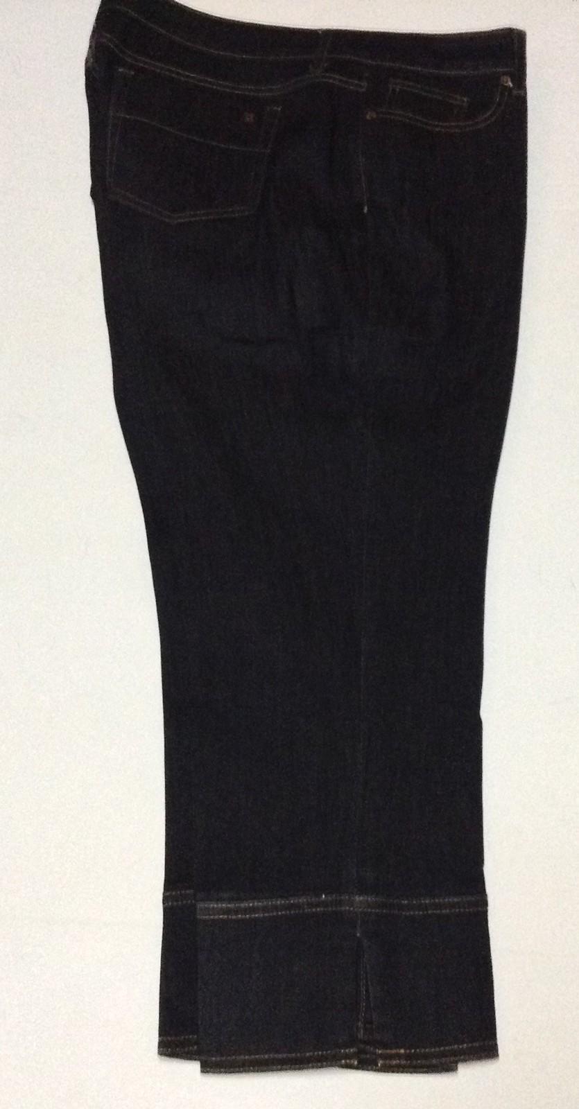 Vera Wang Blue Jean Capris NWOT Size 12 Simply Vera Straight Leg