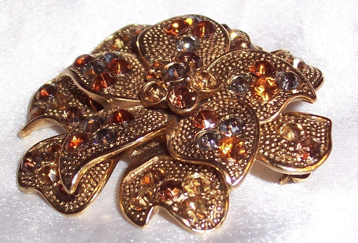 Vintage Liz Claiborne Gold Gone Flagree Bow Rhinestone Pin Brooch /Marked LC