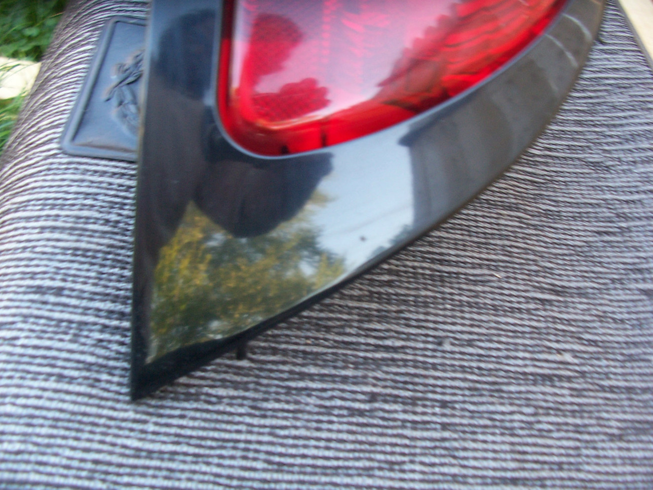 1998 MUSTANG GREEN RIGHT TAILLIGHT OEM USED ORIGINAL FORD PART 1997 1996 1995 94