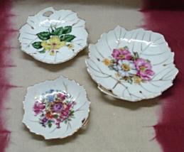 Vintage Set of Three Floral Hand Painted Design Leaf Shaped Porcelain Di... - $14.00