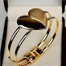 Gold Dull Polished Heart Bracelet - One Item w/Random Color [Misc.]