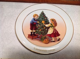 Collectible Avon 1982 Christmas Plate Gold Trim Boy Girl Tree