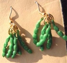 Funky GREEN BEANS EARRINGS-Pea Pods Vegetable Garden Food Charm Costume ... - $7.19