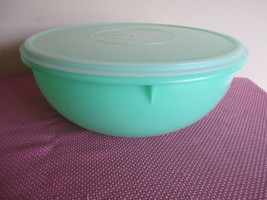 TUPPERWARE FIX N MIX BOWL, 26 CUPS, JADEITE GREEN, MILLIONAIRE LINE SEAL... - $19.79