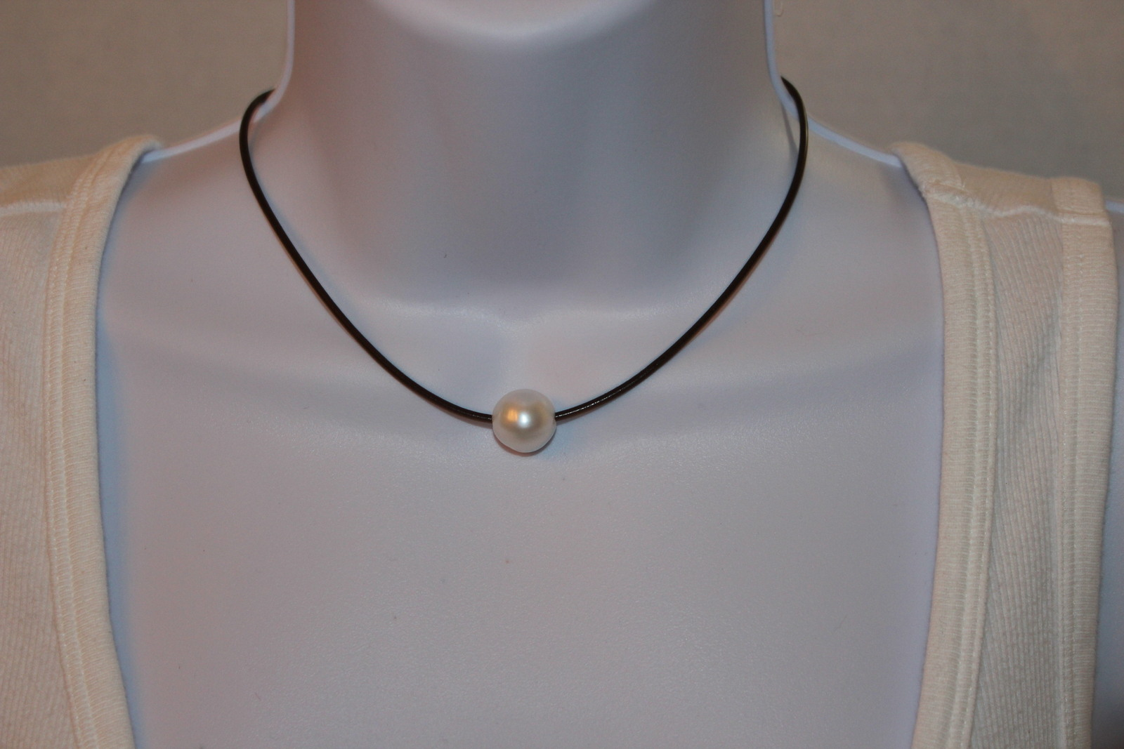 Pearl necklace 024