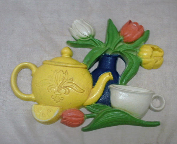 Vintage Molded Plastic Tea Pot with Tulips Wall Hanging // Kitsch Kitchen Decor