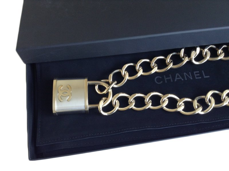 92f92af8be7eab AUTHENTIC CHANEL CC Oversized Padlock Pendant NECKLACE RUNWAY SILVER GOLD