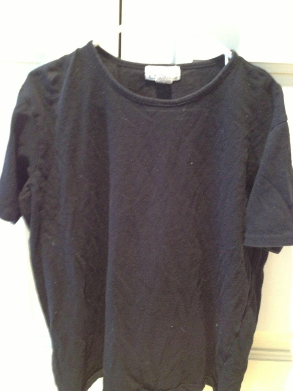 Jennifer Moore short sleeve black tshirt size medium - $20.00