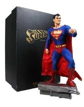 Classic Superman Museum 18-Inch Statue by DC Comics - €382,15 EUR